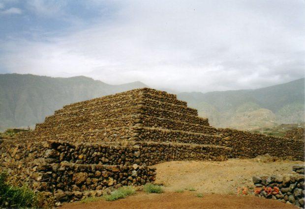 Объяснение некоторых фактов, касающихся истории Коренных Рас и геологических периодов